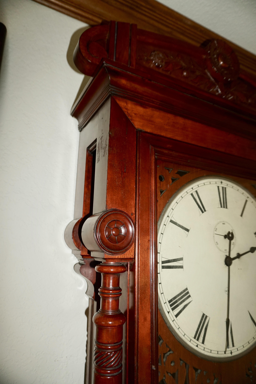 Antique Clocks Guy: We bring antique clocks collectors and